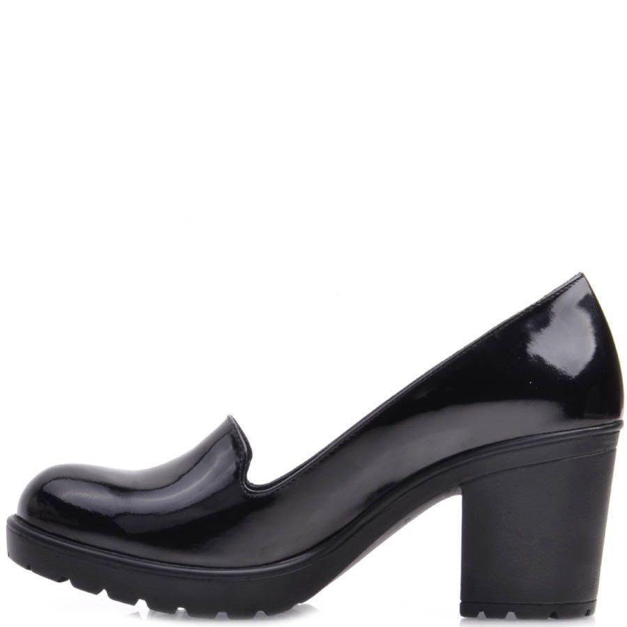 Туфли Prego на устойчивом каблуке из лаковой кожи с круглым носочком