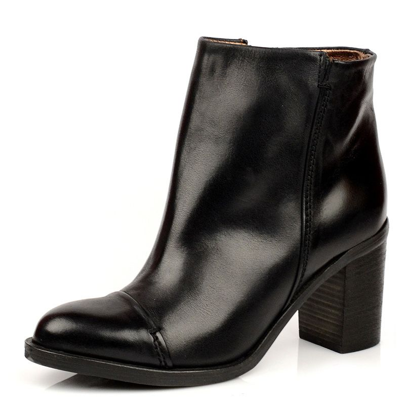 Аккуратные осенние ботиночки Tosca Blu