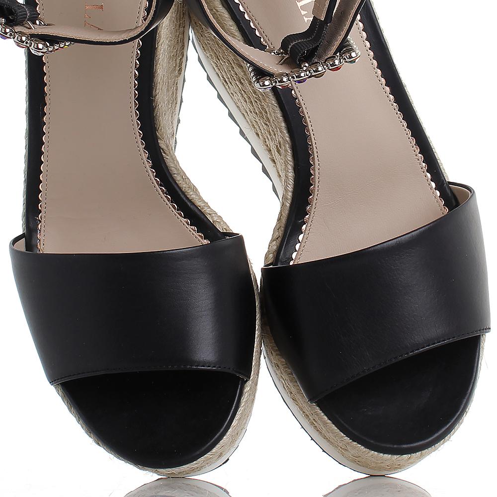 Черные босоножки Le Silla со стразами на плетеной подошве