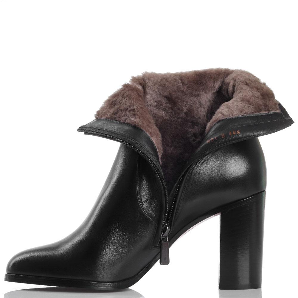 Зимние кожаные ботинки на толстом каблуке Santoni черного цвета