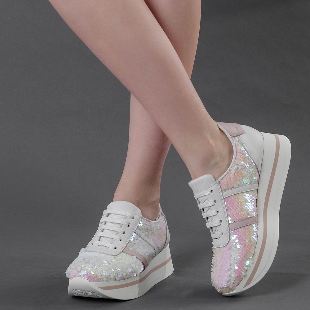 Белые кроссовки Tosca Blu с перламутровыми пайетками