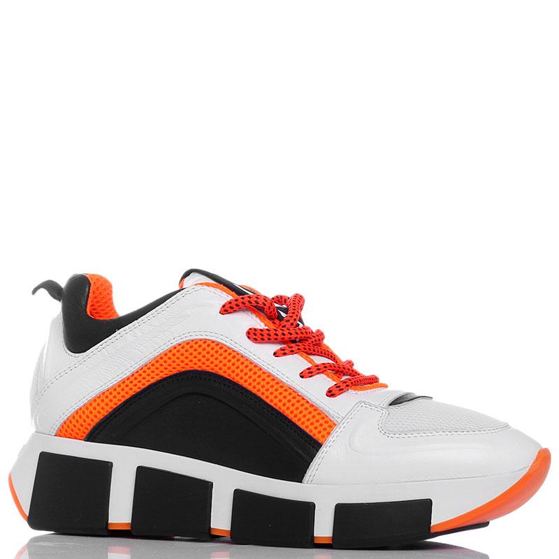 Белые кроссовки Vic Matie с оранжевой шнуровкой