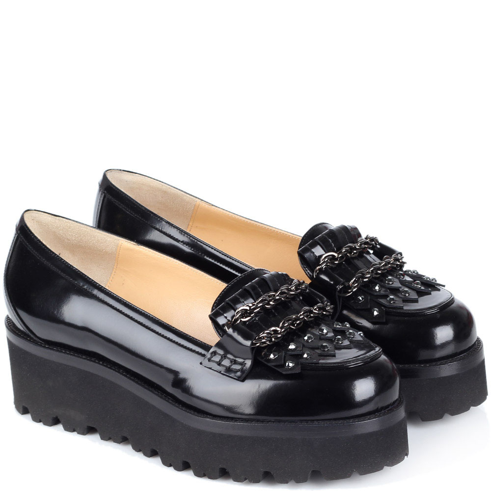 8cdfc5f76 Туфли-лоферы на платформе Nando muzi из лаковой кожи черного цвета  украшенные цепочками