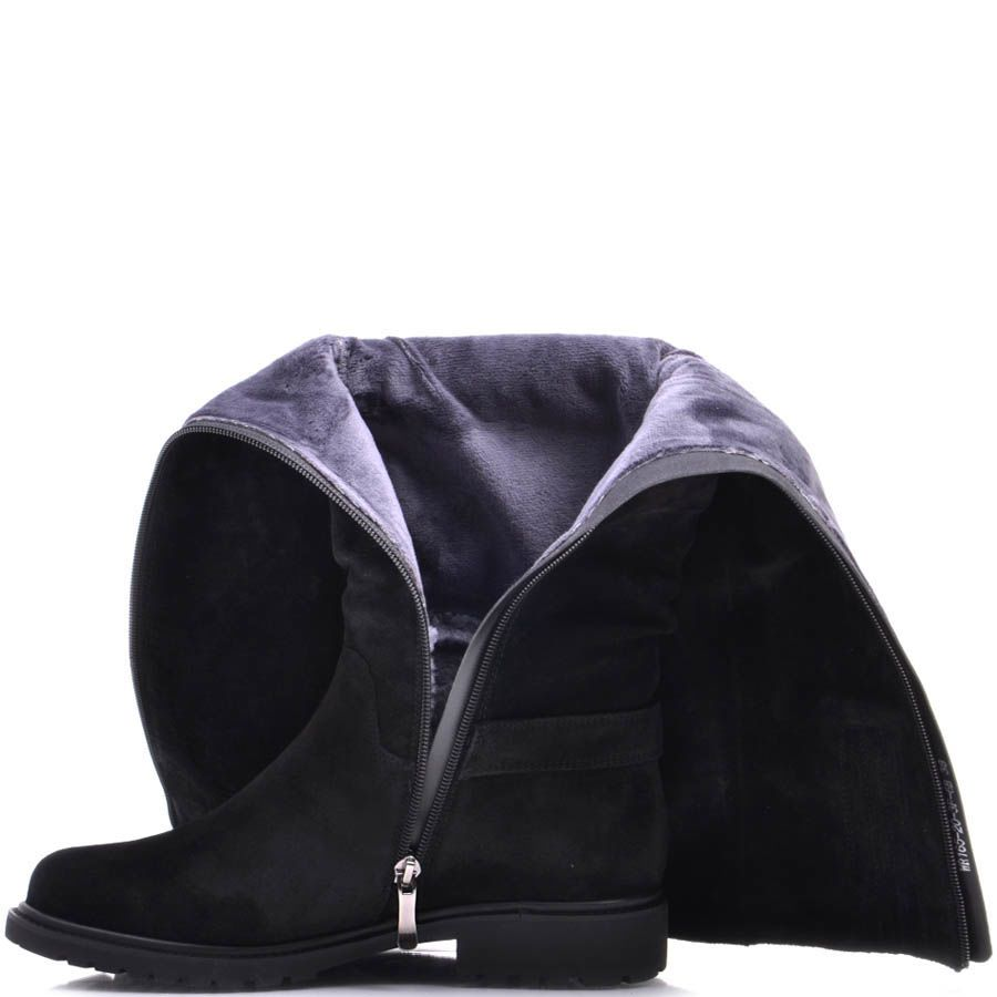 Сапоги Prego зимние из замши черного цвета с мехом внутри на плоском ходу и декором в виде ремешков