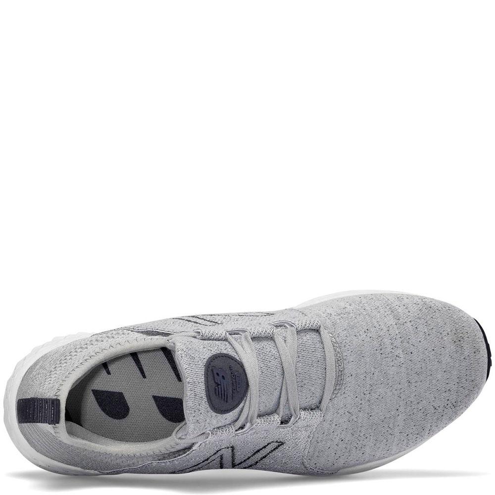 Беговые кроссовки New Balance 1500 серого цвета