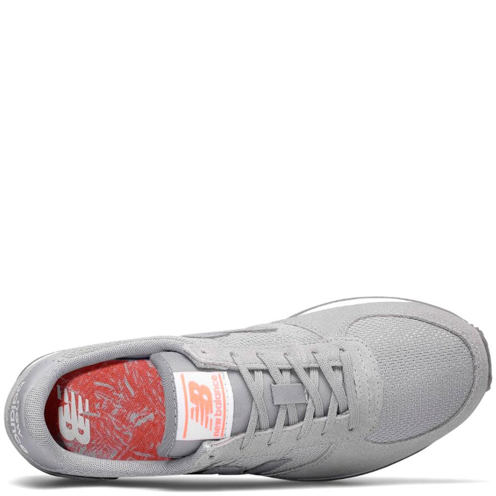 Серые кроссовки New Balance 220