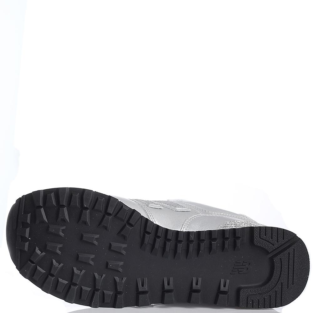 Женские кроссовки New Balance 574 серебристого цвета WL574NRI-o