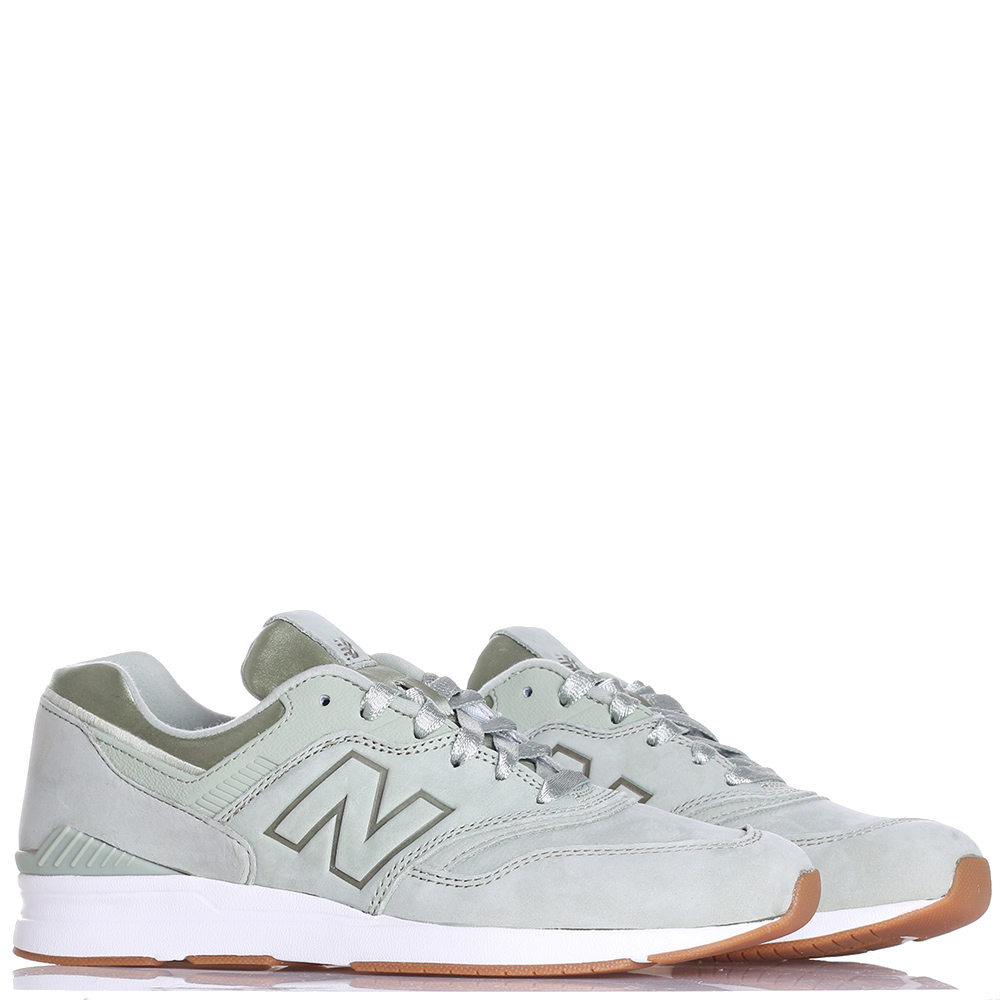 Мятные кроссовки New Balance 697 из нубука