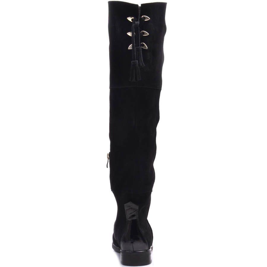 Ботфорты Prego зимние черного цвета из замши с лаковым носочком и кисточками