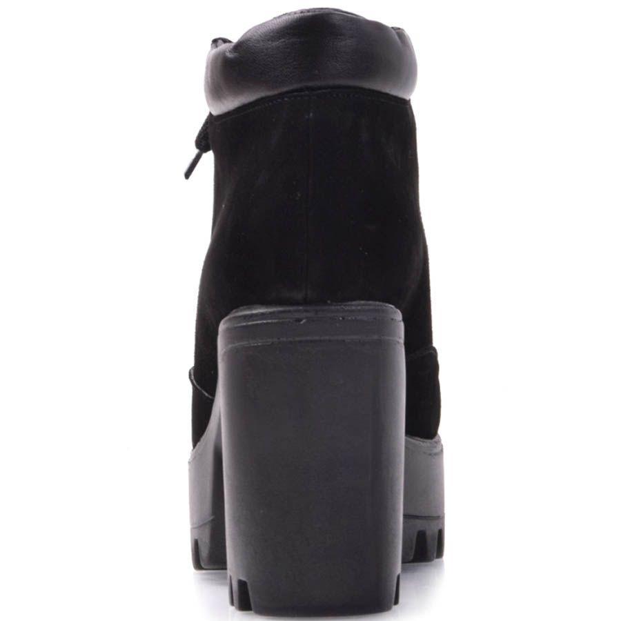 Ботинки Prego черного цвета замшевые на толстом каблуке и кожаной вставкой по краю