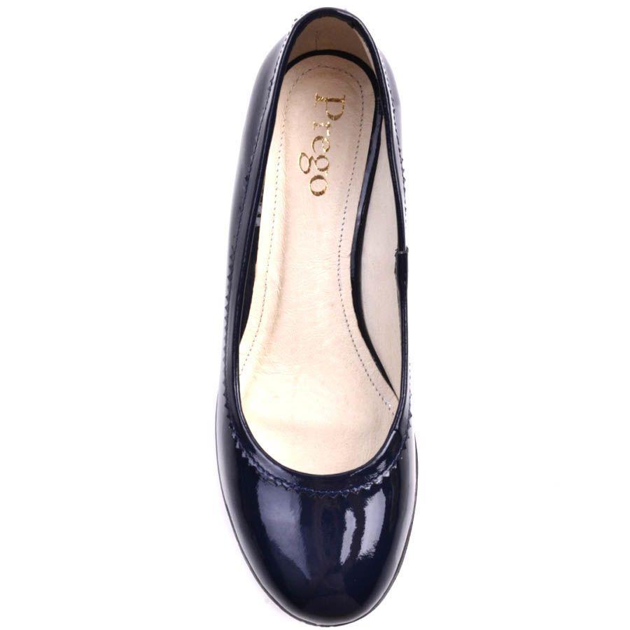 Туфли Prego синего цвета лаковые на толстом каблуке с рельефной подошвой