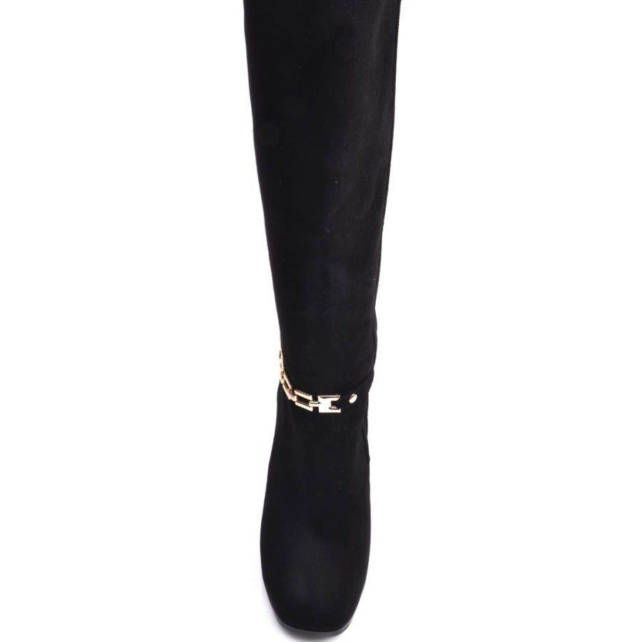 Сапоги Prego зимние черного цвета с замшевым каблуком и металлическим ремешком золотистого цвета вокруг щиколотки