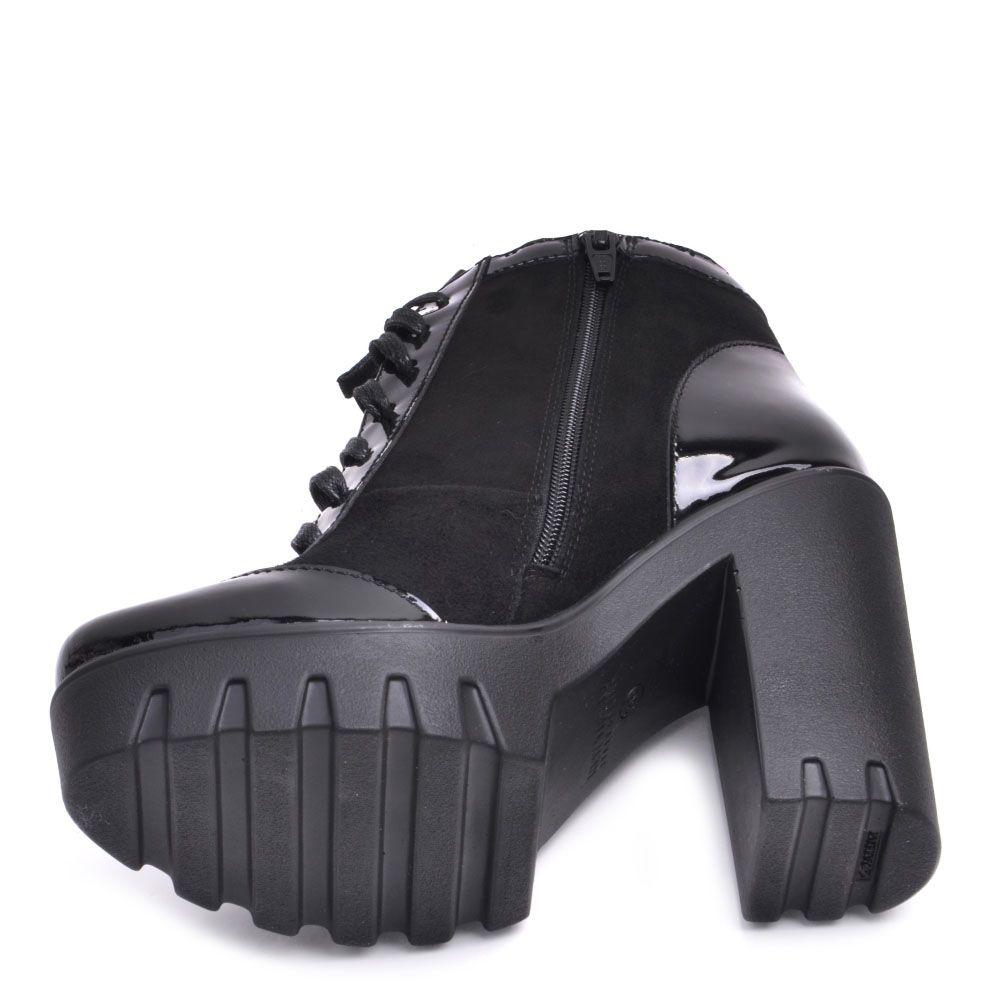 Ботильоны Prego из натуральной замши черного цвета с лаковой вставкой на носочке и пяточке