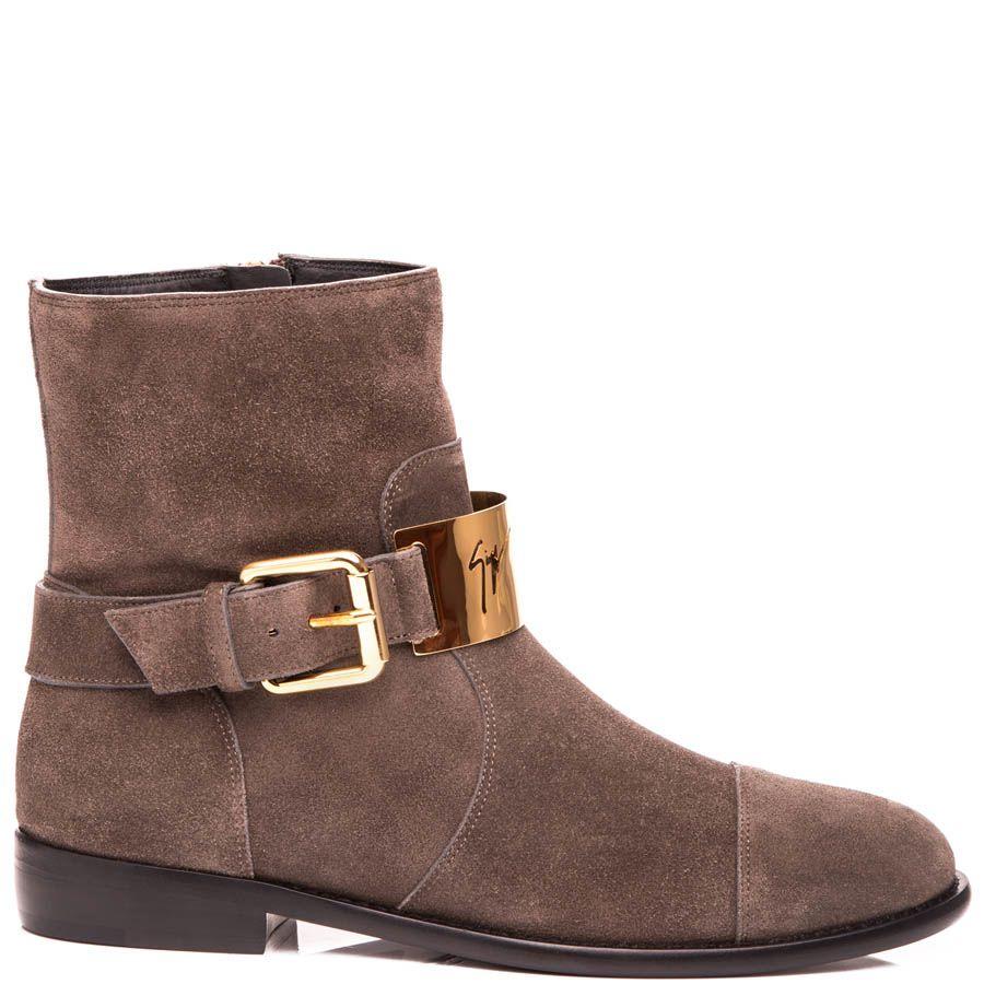 Ботинки Giuseppe Zanotti замшевые коричневого цвета с пряжкой украшенной золотистой вставкой