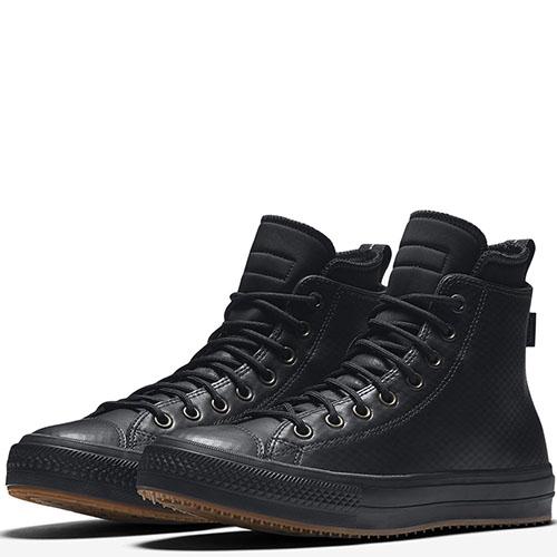 Высокие кожаные кеды Converse Chuck II черного цвета с тиснением, фото