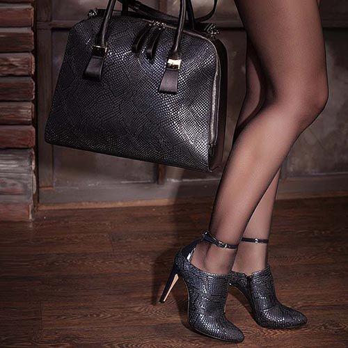 Закрытые туфли Modus Vivendi черного цвета с имитацией кожи питона, фото
