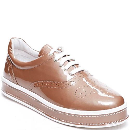 Броги бежевого цвета из лаковой кожи Modus Vivendi на шнуровке и толстой подошве, фото