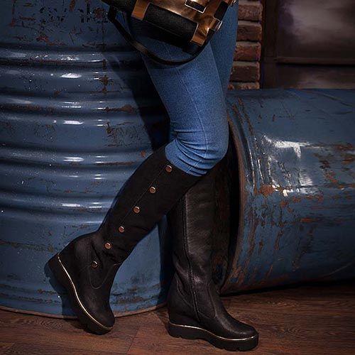 Женские сапоги Modus Vivendi из кожи черного цвета на скрытой танкетке, фото