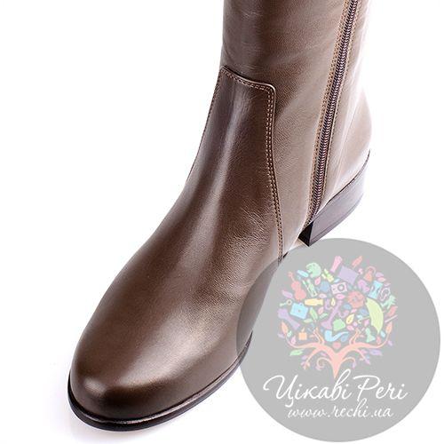 Кожаные сапожки Gilda Tonelli на низком ходу коричневые с декоративной молнией, фото