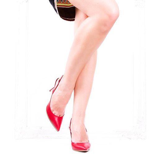 Босоножки Casadei красного цвета с золотистой окантовкой на подошве, фото