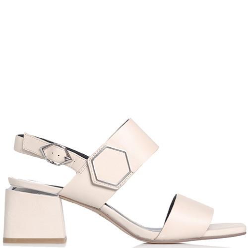 Молочные босоножки Bruno Premi с металлической вставкой на каблуке, фото