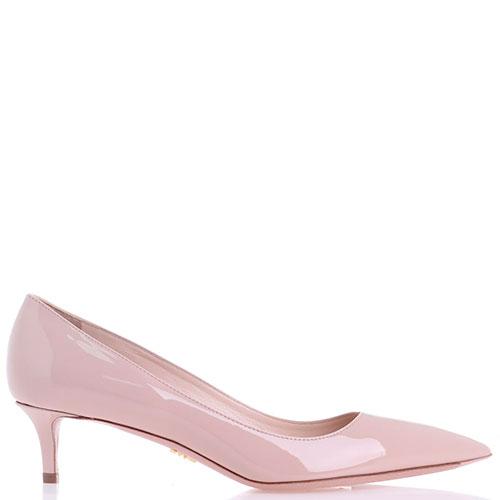 Лаковые туфли Prada бежевого цвета, фото