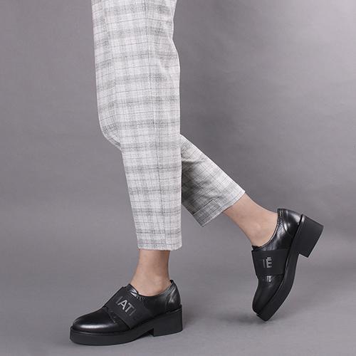 Туфли Vic Matie черного цвета на толстой подошве, фото