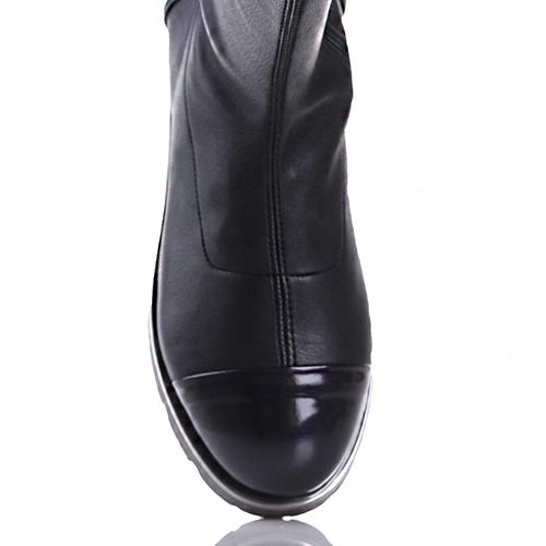 Черные ботфорты Giovanni Fabiani на толстой подошве, фото