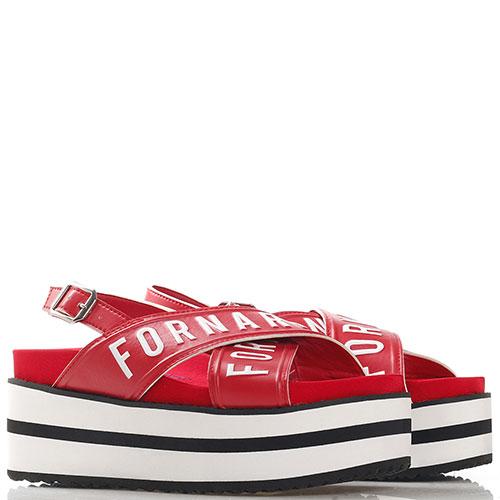 Красные сандалии Fornarina на толстой подошве, фото