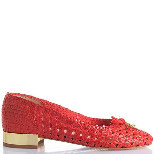 Плетеные кожаные туфли Trussardi Jeans красного цвета на золотистом каблуке, фото