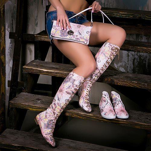 Женские сапоги Modus Vivendi с перфорацией в пастельных тонах, фото