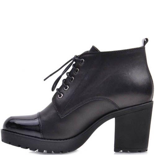 Ботинки Prego из матовой черной кожи на шнуровке с лаковым носком, фото