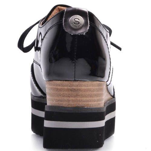 Кеды Prego лаковые черного цвета на рельефной танкетке, фото