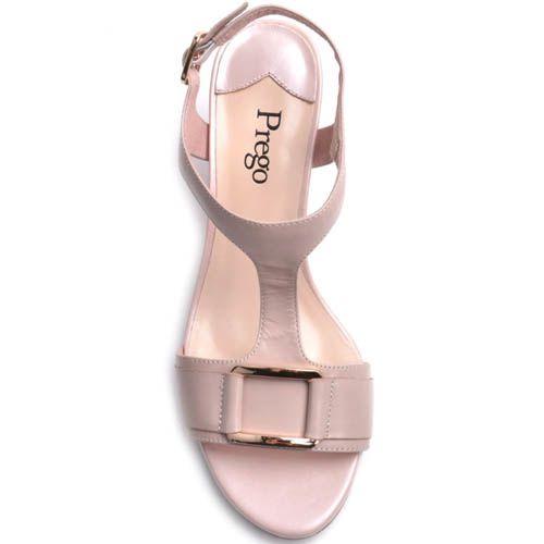 Босоножки Prego на толстом каблуке бежевого цвета с металлической рамкой на перемычке, фото
