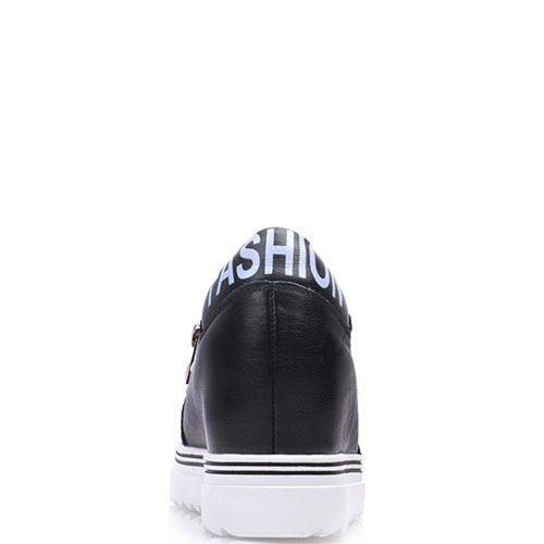 Слипоны Prego из кожи черного цвета с декоративными замочками на скрытой танкетке, фото