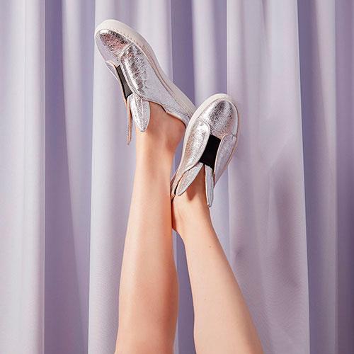 Серебристые слипоны Minna Parikka с ушками, фото