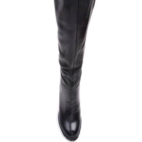 Зимние сапоги Prego из кожи черного цвета на каблуке и танкетке, фото