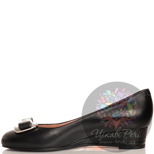 Туфли Giorgio Fabiani с бантом черные кожаные на невысокой танкетке , фото