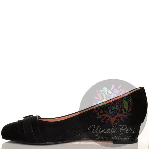 Туфли Giorgio Fabiani черные замшевые на невысокой танкетке , фото