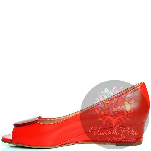 Туфли Giorgio Fabiani с открытым носком красные кожаные на низкой танкетке , фото