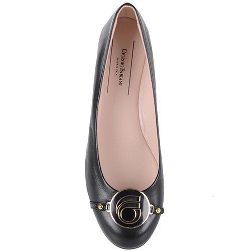Туфли Giorgio Fabiani на низком ходу с брендированной пряжкой, фото
