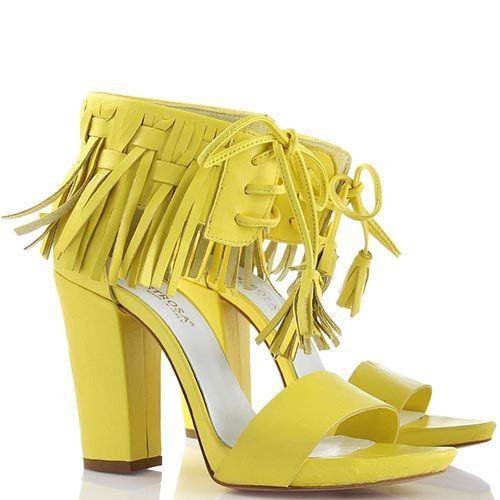 Босоножки lEstrosa из натуральной кожи желтого цвета, фото