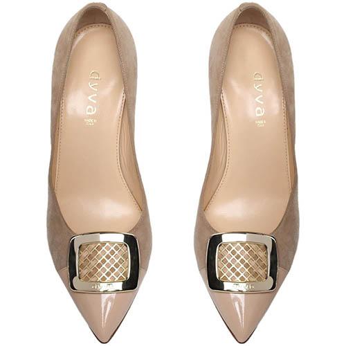 Замшевые туфли-лодочки бежевого цвета с лаковым носочком Dyva, фото