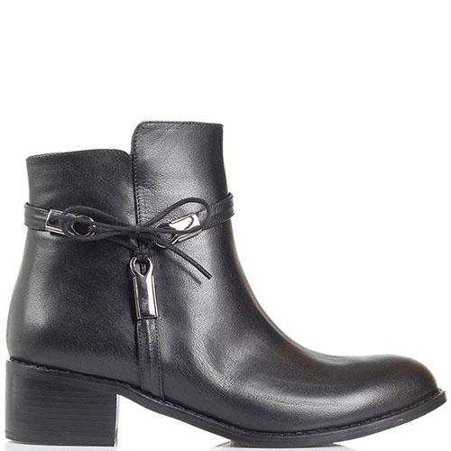 Кожаные ботинки Ginni черного цвета декорированные бантиком, фото