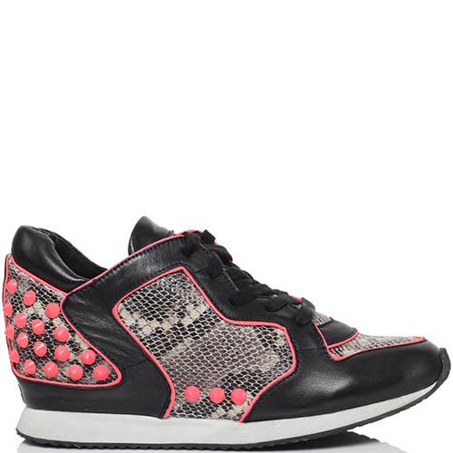 Кроссовки из кожи с фактурой питона черного цвета ASH с розовыми шипами, фото