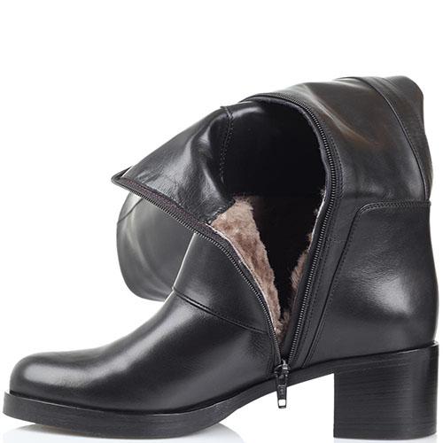 Кожаные сапоги на меху Bervicato черного цвета с широкой декоративной пряжкой, фото