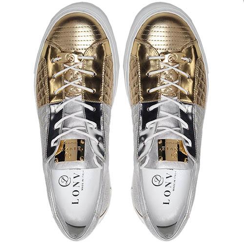 Кеды из стеганой кожи серебристого цвета с золотистым носочком Lonvie на шнуровке, фото