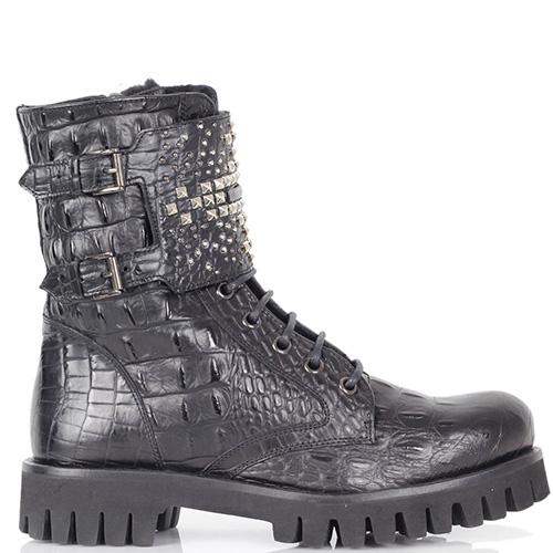 Зимние ботинки Richmond из натуральной кожи черного цвета с фактурой кроко, фото