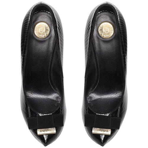 Туфли-лодочки из лаковой фактурной кожи Byblos черного цвета, фото