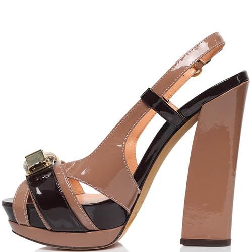 Босоножки из лаковой кожи коричневого цвета MAC Collection на высоком каблуке и платформе, фото